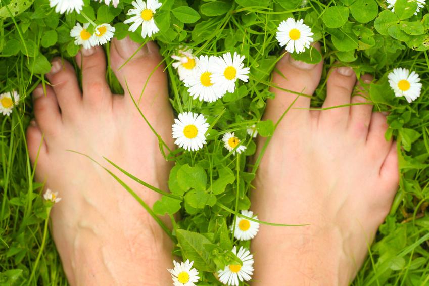 Pocące się stopy – jak sobie z nimi poradzić?
